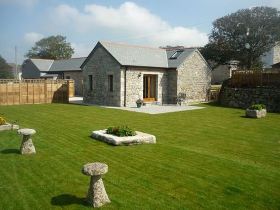 View of the property with large enclosed garden - BODER - Wendron - rentals