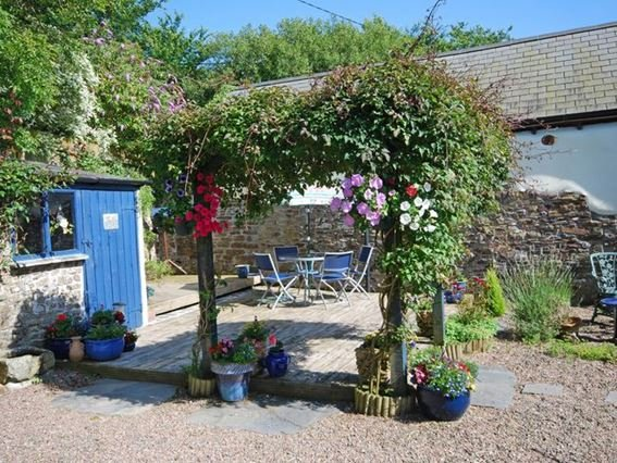 Delightful enclosed garden  - MANNI - Welcombe - rentals