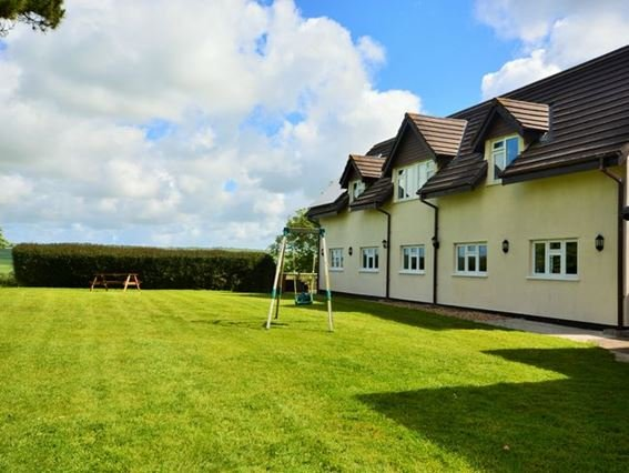 View towards property - ELLER - Bradiford - rentals