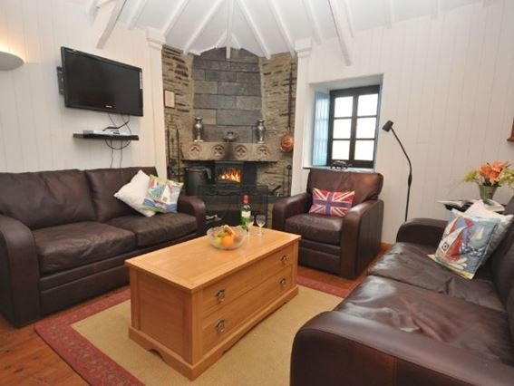 Cosy lounge area with woodburner - THOLM - Cornwall - rentals