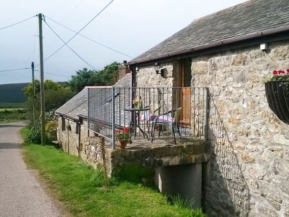 View towards property - CHYHE - Zennor - rentals