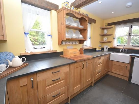 Kitchen with slate floor - LTREC - Laneast - rentals
