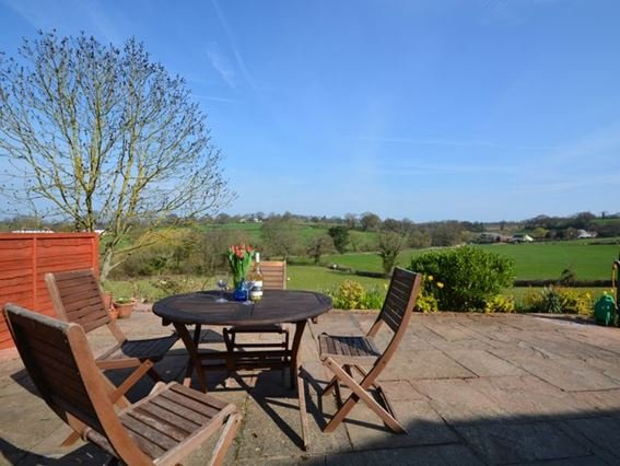 Outside seating area - THHOL - Lympstone - rentals