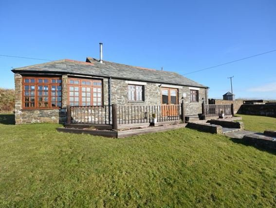 Looking towards the cottage - SUNDA - Camelford - rentals