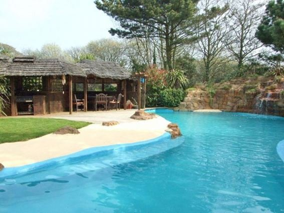 View of the pool and bar area - GOLDE - Cornwall - rentals
