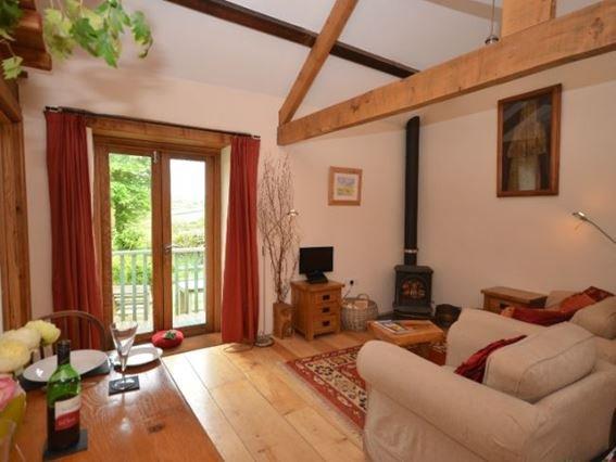 Open-plan lounge/kitchen/diner with door to garden - TFRIZ - Coad's Green - rentals
