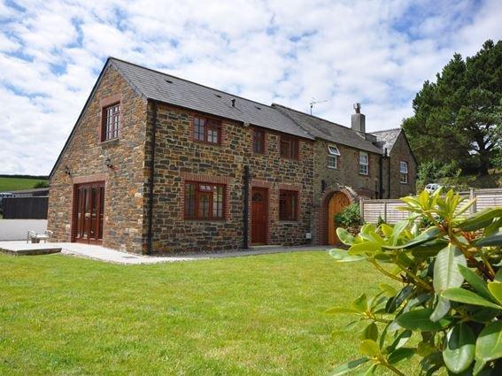 View towards the property - LANDC - Herodsfoot - rentals