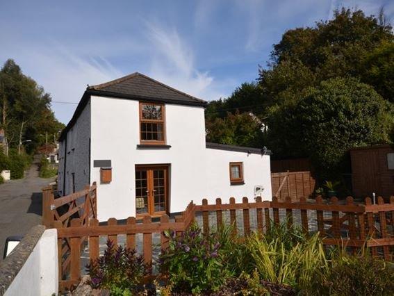 Looking towards the cottage - FCH6007 - Wadebridge - rentals