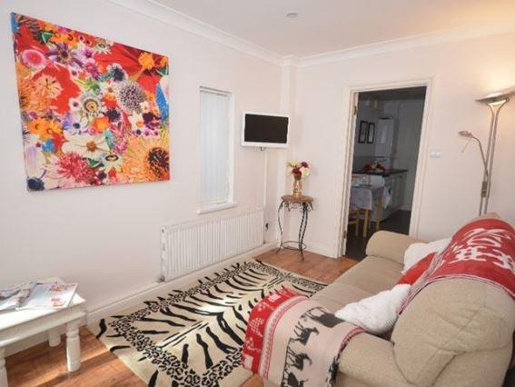 Lounge - FCH6181 - Tamerton Foliot - rentals