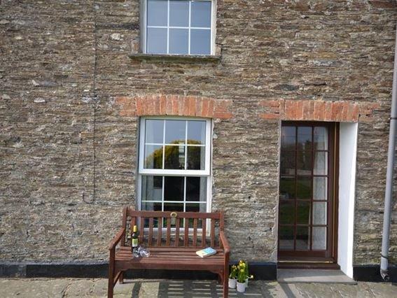 View towards the property - SEAGU - Cornwall - rentals