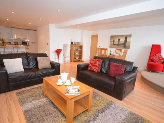 Spacious open-plan living space approached via internal staircase - ESRY1 - Appledore - rentals