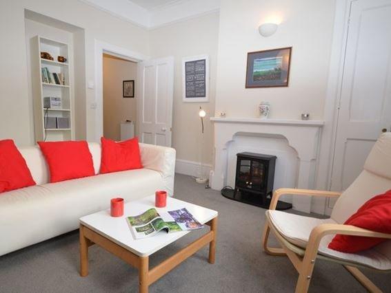 Lounge area - THVIC - Wells - rentals