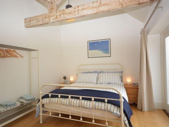 Bedroom with exposed beams - FCH6515 - Somerset - rentals