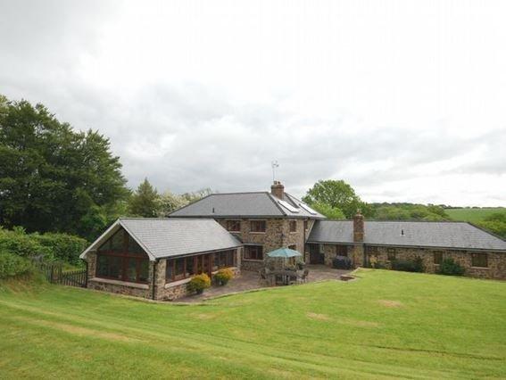 The rear of property  - FCH690 - Oakfordbridge - rentals