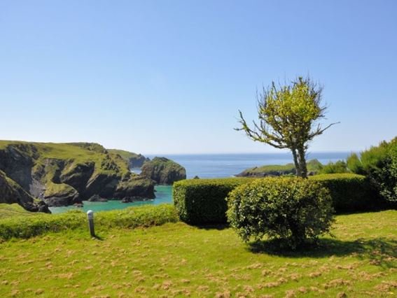 View from communal lawns - SMULL - Mullion - rentals