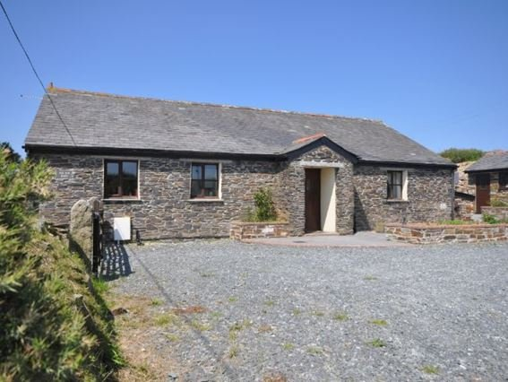 View towards the property and parking area - PENDB - Camelford - rentals
