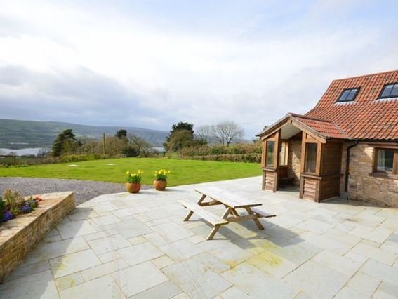 Looking towards the detached property with countryside views - FCH7526 - Butcombe - rentals