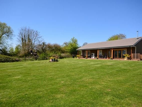 View of the property and gardens - PADLO - Somerset - rentals
