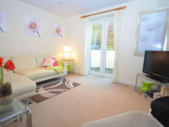 Spacious lounge with patio doors to lounge - MAYMO - Bude - rentals