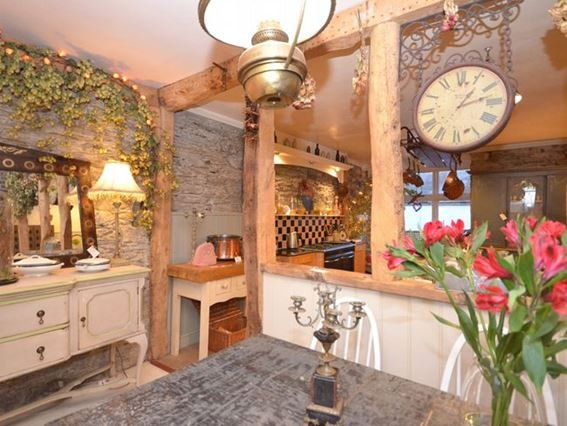 Dining area looking into the kitchen - OPALA - Lostwithiel - rentals