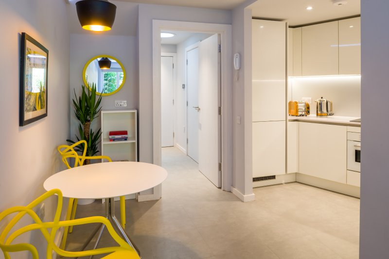 View of entrance, dining area and kitchen - Bankside Apartment at Borough Market #1 - London - rentals