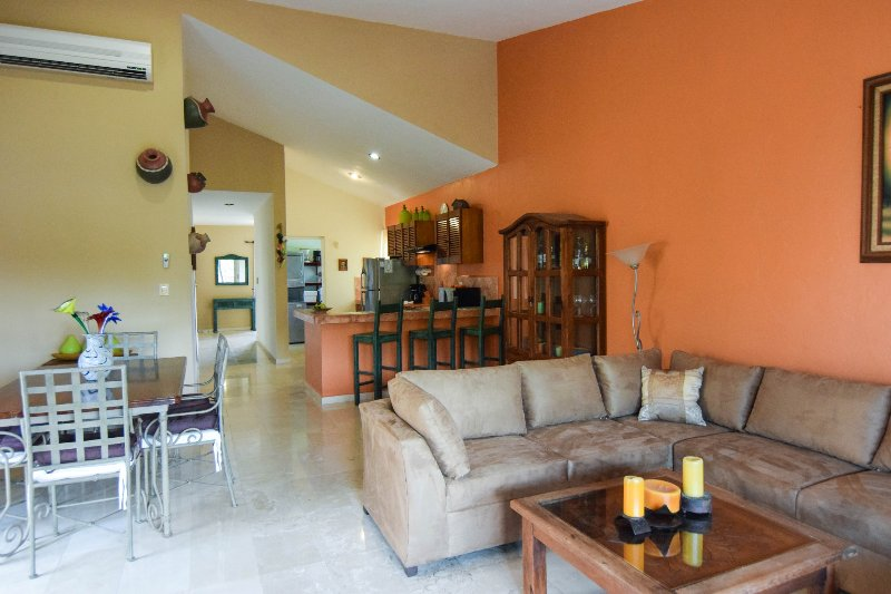 open floor plan - spacious - CHAC HA PLAYACAR PHASE II, incl beach club card - Playa del Carmen - rentals