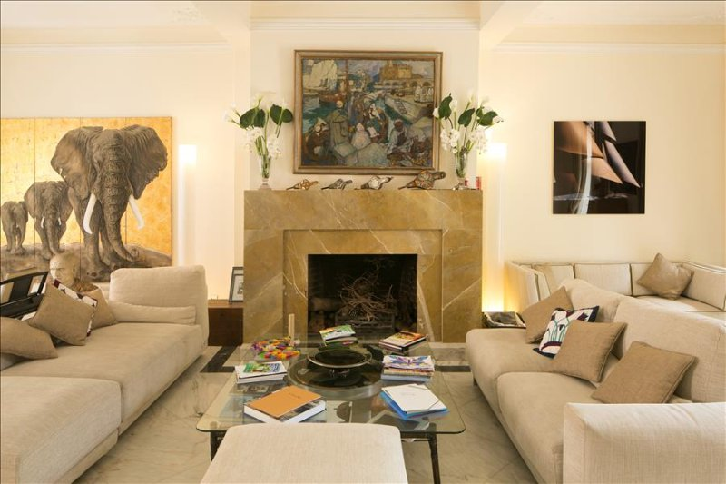Ap4 - Beautiful and historic mansion with garden near Senhora do Monte view point - Image 1 - Lisboa - rentals