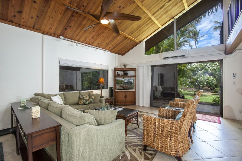 New Remodel, All-Tile, Steps from Pool and Beach! - Image 1 - Kihei - rentals