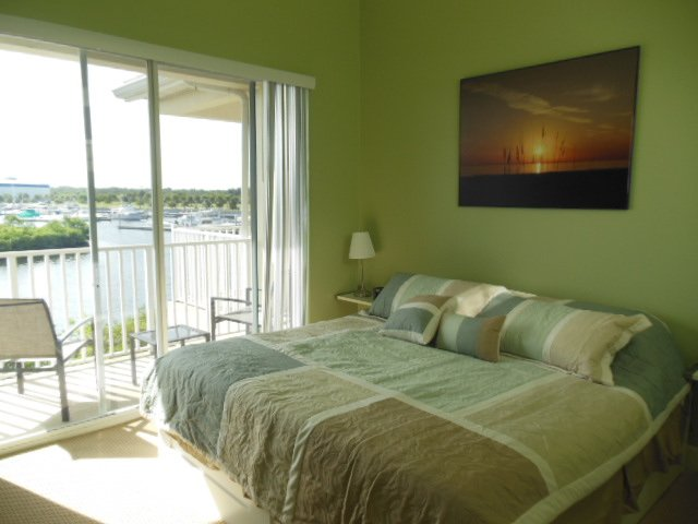 Masterbedroom - Waterfront   2 bdr, 1.5 bth Townhome; - Ruskin - rentals