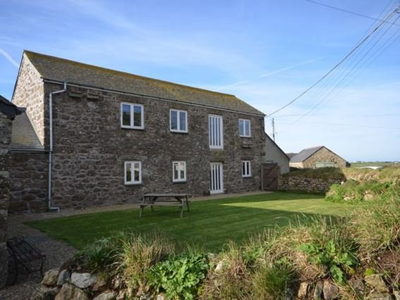 View towards the property and garden - MOWBA - Porthcurno - rentals