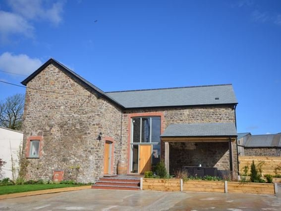 View towards the property - FCH27648 - Bradworthy - rentals