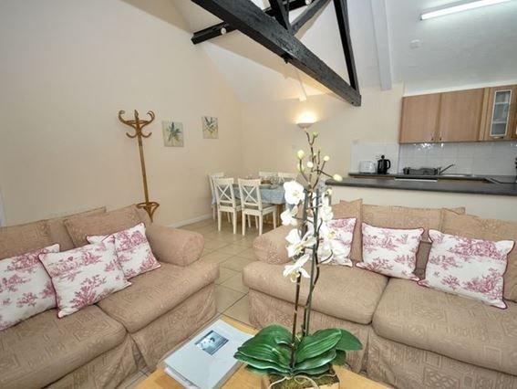 Open-plan living space - 28678 - Motcombe - rentals