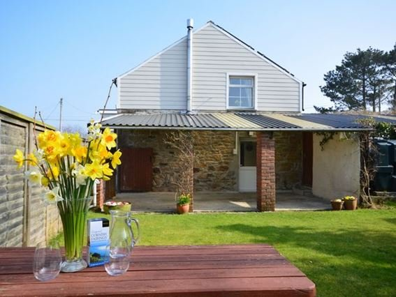 View towards the property from the garden - 29864 - Wendron - rentals