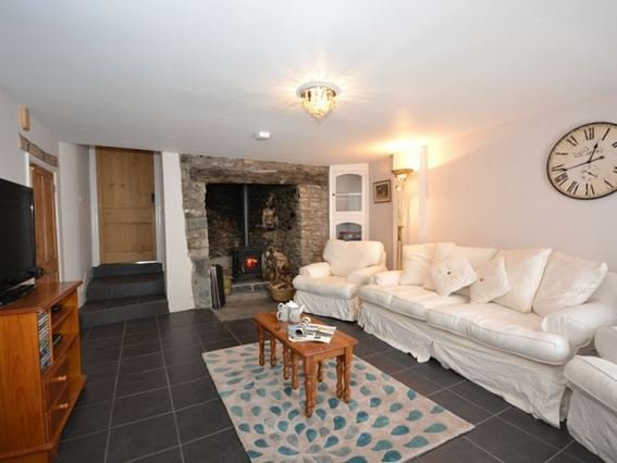 Lounge with woodburner and steps to kitchen - 31876 - Hartland - rentals
