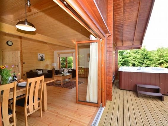 View towards the property with private hot tub on the decking - 31884 - Dorset - rentals