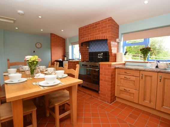 Large kitchen/diner - 31932 - Maesteg - rentals