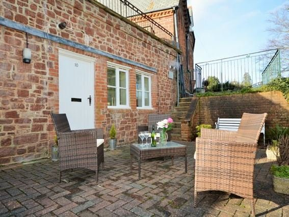 View of the entrance of the apartment and patio area - 32297 - Torquay - rentals