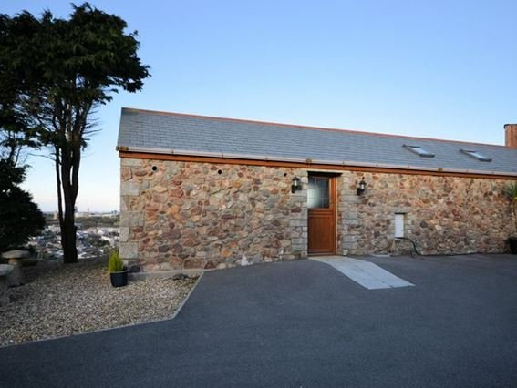 View of towards the property - FCH8409 - Troon - rentals