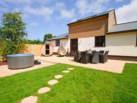 View towards the property with large garden, hot tub and sauna - POLTA - Camborne - rentals