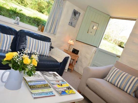 Lounge - LAMCO - Cornwall - rentals