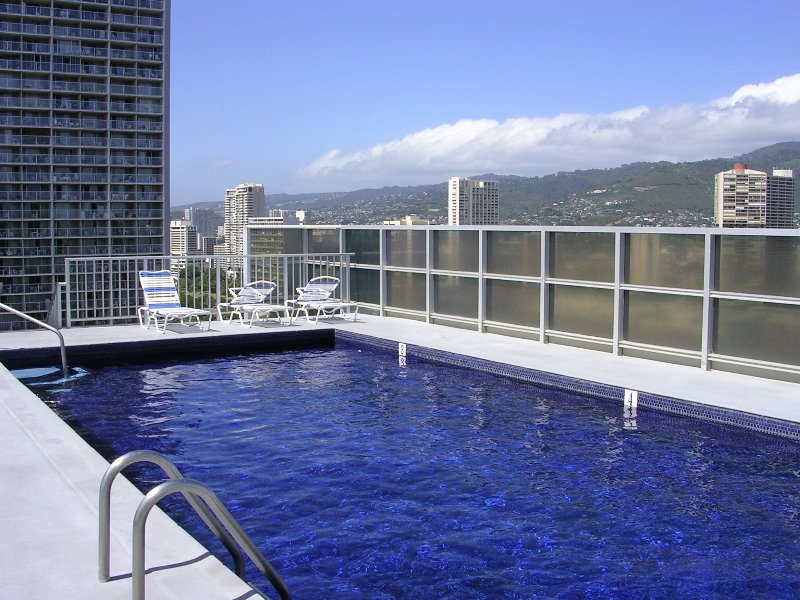 Completely Renovated High End 1br Suite - Image 1 - Honolulu - rentals