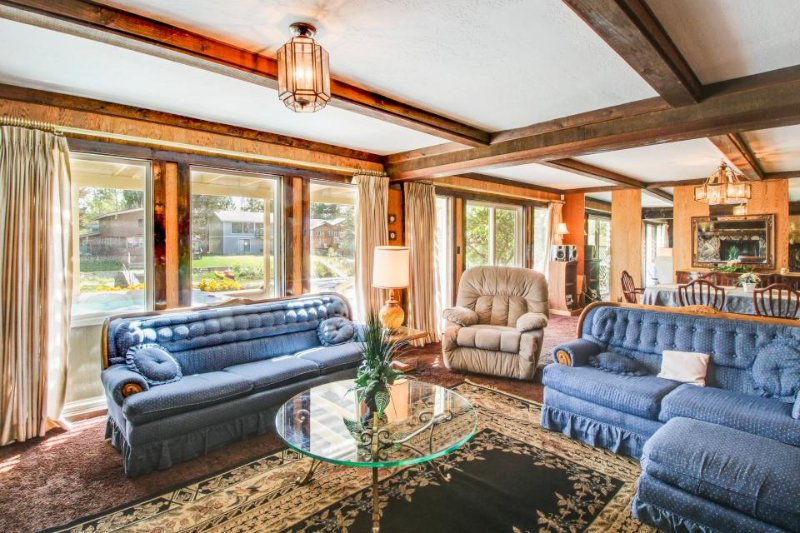 Waterfront retro-modern home w/ private hot tub, shared pools & beach access! - Image 1 - South Lake Tahoe - rentals