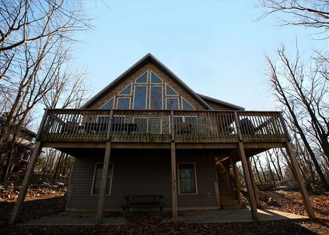 "Four Seasons - ""Four Seasons"" Vacation Home with Huge raised Deck, Hot Tub, Pool Table, WIFI - Lake Harmony - rentals"