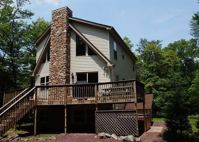 """Harmony - """"Harmony"""" Serene Mountain Home Near Lake, 6 Bedroom, Hot Tub, Pool Table - Lake Harmony - rentals"""