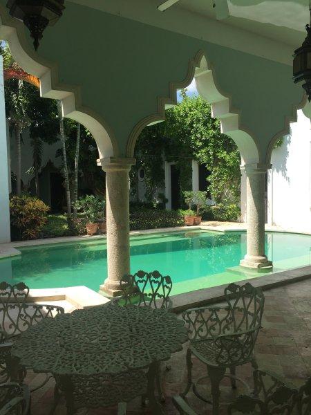 The pool terrace - Villa Los Arcos - Merida - rentals
