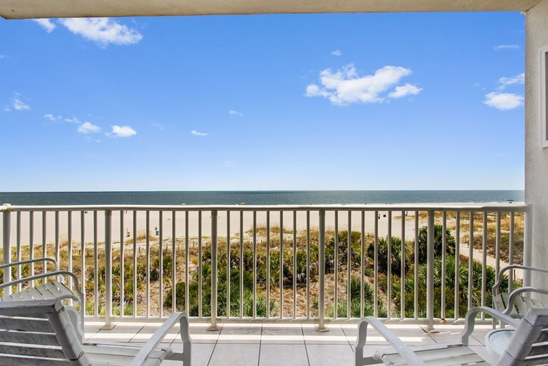 Beach House On The Dune - Unit 433 - Panoramic Views of the Atlantic Ocean - Swimming Pools - Restaurant - FREE Wi-Fi - Image 1 - Tybee Island - rentals