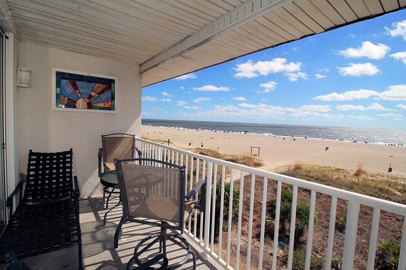 Ocean Song Condominiums - Unit 334 - Swimming Pools - FREE Wi-Fi - Restaurant - Image 1 - Tybee Island - rentals