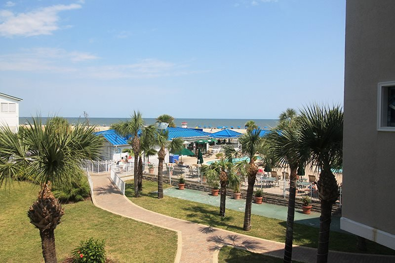 The Vue Condominiums - Unit 225 -Spectacular Views of the Atlantic Ocean - Image 1 - Tybee Island - rentals