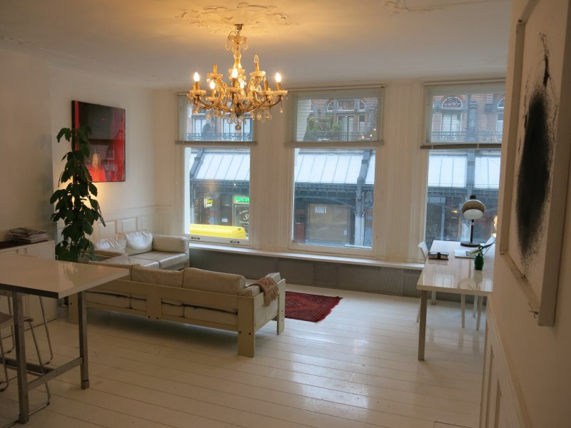 Stylish apartment in Centre - Image 1 - Amsterdam - rentals