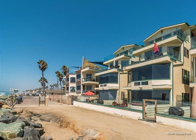7br/7ba Luxury Oceanfront Retreat, Oceanview Decks, Spa, BBQ A/C - Image 1 - Oceanside - rentals